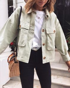 Oversized Boyfriend Cool Big Pockets Button Up Shirt Jacket Womens oversize cotton coat women's casual coats online button up shirt jacket coats big pocket jacket long sleeve shirt jacket outfit women street style Mode Outfits, Cute Casual Outfits, Jean Outfits, Women's Casual, Casual Clothes, Simple Outfits, Black Outfits, Edgy Outfits, Winter Clothes