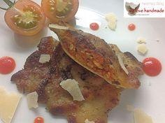 Eigentlich wollte ich heute meine Ravioli präsentieren. Ravioli mit einer Füllung aus getrockneten Liebesäpfeln.Ist ein wenig veraltet diese Bezeichnung, aber das Rezept mit den getrockneten Tomat... Pasta, Ravioli, Pancakes, French Toast, Breakfast, Handmade, Food, Dried Tomatoes, Cooking