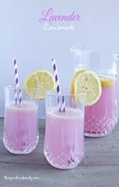 A tall glass of refreshing Lavender Lemonade is the perfect way to relax and unwind. A tall glass of refreshing Lavender Lemonade is the perfect way to relax and unwind. Basil Lemonade, Peach Lemonade, Blueberry Lemonade, Watermelon Lemonade, Strawberry Lemonade, Spa Party, Processco Cocktails, Alcoholic Drinks, Beverages