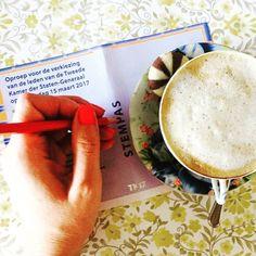 Ben je er klaar voor? Ga stemmen!  #maareerstkoffie #ikstem #tweedekamerverkiezingen #tweedekamerverkiezingen2017 #stemmen #stem #vote #elkestemtelt #verkiezingen  #coffeeisalwaysagoodidea #koffietje #teamcaffeine