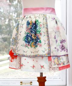 Vintage Handkerchief Free Apron Pattern - How to sew an apron with vintage sewing patterns.
