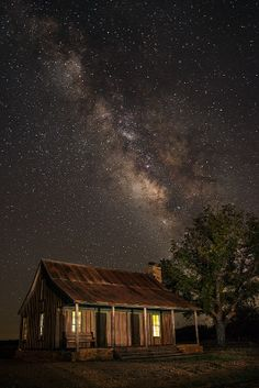 ˚The Milky Way in the historic ghost town of Fort Griffin in Albany, Texas.
