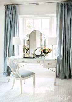 [CasaGiardino] â™› This vanity is bananas. Interior designer Suzanne Kasler has designed a glamorous master-suite for her own home. Photos by Erica George Dines for Atlanta Homes. Dream Bedroom, Home Bedroom, Bedroom Decor, Bedroom Interiors, Bedroom Furniture, Table Furniture, Furniture Ideas, Bedroom Ideas, Furniture Makers