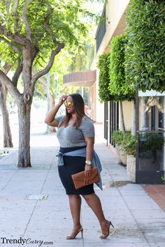 Wardrobe Essential: Gray Tee - Trendy Curvy