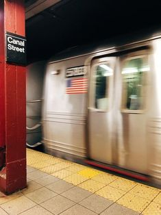 nyc subway by larisazz
