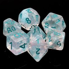 Diy Resin Dice, Dungeons And Dragons Dice, Dragon Dies, Acrylic Resin, Decir No, Wine Glass, Games, Glow, Join