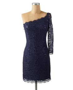 My dream dress.. and what do you know, it's on sale and only in my size... too bad it's still $100..