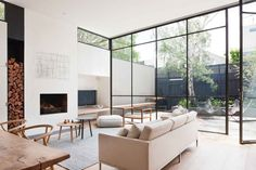 Clean lines, sophisticated colours, and a minimal design make this Australian home something to really be jealous of. Robson Rak architects designed this Armadale-based house with minimalism and elegance in mind. Check out the photo tour below.Props to Airows for the find.                 Check the gallery above for the higher resolution photos.