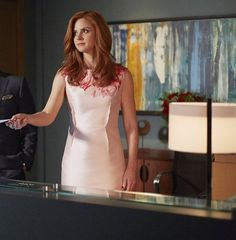 "Sarah Rafferty's Best Fashion Moments From ""Suits"" Season 5"