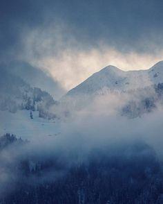 It's been a snowy week so far in the swiss valais !!! . . . . #winter #valaiswallis #snow #valais #switzerland #myswitzerland #mountains #snow #natureaddict #outdoors #mountainlife #alps #wild #landscape #mountainscape #clouds #amazing_switzerland #moody #travelingram #travel #photo #nikonphotography #adventure #travelphotography
