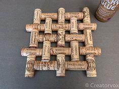 wine cork trivet project fully glued Crafts Make An Upcycled Wine Cork Trivet Wine Craft, Wine Cork Crafts, Wine Bottle Crafts, Champagne Cork Crafts, Wine Cork Trivet, Wine Cork Art, Wine Cork Table, Wine Cork Jewelry, Wine Cork Wreath