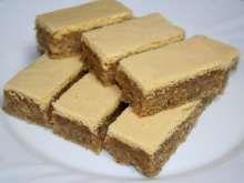 Žĺtkové rezy • Recept | svetvomne.sk Tiramisu, Cake Recipes, Recipies, Cheesecake, Sweets, Cookies, Ethnic Recipes, Praha, Food