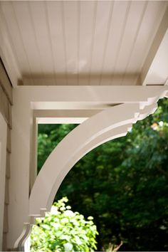Something like this to hold up the wooden desk top piece for an integrated office desk Exterior - Overhang - Custom Brackets - Custom Corbel - Beadboard Soffit / Ceiling Exterior Paint Colors, Exterior Design, Soffit Ideas, Door Overhang, Interior Windows, Garage Makeover, Decks And Porches, Historic Homes, House Front