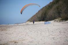 Paralotniarz. | Paraglider. #paragliding #sport #seaside #balticsea #poddabie #baltic #polska #pomorskie #pomorze #pomerania #visitpoland #discoverpoland
