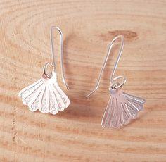 Hand Made Sterling Silver Etched Shell drop Dangle Earrings, Silver Shell Earrings, Mermaid Gifts, Seaside Jewellery, Simple Earrings by ObButterflyJewellery on Etsy