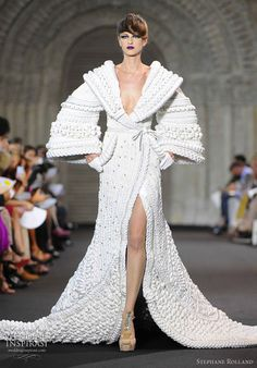 "Stephane Rolland - The Bride — white silk weaving ""Hanfu"" coat dotted with crystals. Han fu (汉服) refers to traditional ancient Han Chinese clothing"