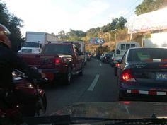 Tráfico llegando a La Gloria de redondel Integración vía @Ron_cortez