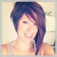 a+symmetrical+hair+cut+for+women   Asymmetrical haircut! You know you love it!