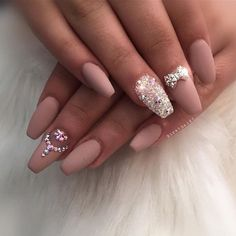 #beautiful #nails by @riyathai87 #fashion #fashionable #fashionblogger #bblogger…