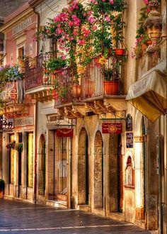 Taormina Balcony, Sicily Italy BEEN HERE! Maybe not the exact street, but Taormina! Beautiful beaches too! Wonderful Places, Beautiful Places, Beautiful Pictures, Amazing Photos, Amazing Places, Beautiful Streets, Beautiful World, Places To Travel, Places To See