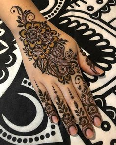 How long do Henna Tattoos Last? What is Henna Tattoo? How to Remove Henna Tattoo? Palm Henna Designs, Palm Mehndi Design, Latest Arabic Mehndi Designs, Modern Mehndi Designs, Mehndi Design Photos, Wedding Mehndi Designs, Mehndi Designs For Fingers, Unique Mehndi Designs, Beautiful Mehndi Design