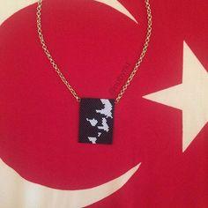 Gururla taşıyacağınız Atatürk kolye  #nubynu  #handmade #design #accessories #fashion #moda #girl #woman #luxury #trend #miyuki #satürn #saturn #takı #jewellery #tasarım #style #aksesuar #necklace #bileklik #bracelet #kolye #choker #kişiyeözel #atatürk Instagram: @nubynu