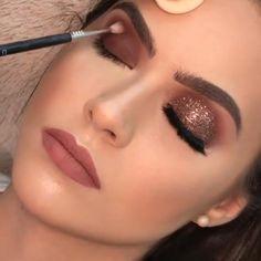 Makeup Eye Looks, Skin Makeup, Eyeshadow Makeup, Bronze Eye Makeup, Holiday Makeup Looks, Rose Gold Makeup, Full Face Makeup, Pink Eyeshadow, Eyeshadows