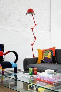 lampe jielde, lampe jieldé rouge, chaise et coussin originaux