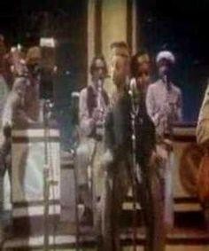 """DR. BUZZARD'S ORIGINAL SAVANNAH BAND / CHERCHEZ LA FEMME (1976) -- Check out the """"Super Sensational 70s!!"""" YouTube Playlist --> http://www.youtube.com/playlist?list=PL2969EBF6A2B032ED #70s #1970s"""