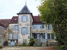 De achterkant van het huis van Renoir, uitzicht vanuit de tuin
