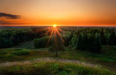 Near kapuskasing Ontario this sunrise photo was taken from the top of the Moonbeam Nature Trail in Moonbeam Ontario . Sunbeams on Moonbeam Gods Creation, Nature Pictures, Ontario, Art Photography, Sunrise, Country Roads, Deviantart, Awesome, Outdoor