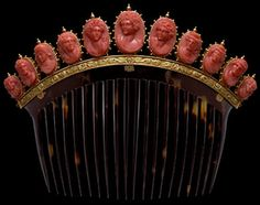 Jewelry OFF! This tortoiseshell comb showcases 11 coral cameos in gold-beaded mounts which rest on a gold base decorated with acanthus leaves First half of the Century. Each cameo represents a divinity or Bacchante a priestess of the Greek God Bacchus. Victorian Jewelry, Antique Jewelry, Vintage Jewelry, Victorian Hair, Cameo Jewelry, Coral Jewelry, Jewellery, Wedding Jewelry, Vintage Hair Combs