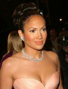 Jennifer-Lopez-maid-in-manhattan-16825223-455-612.jpg (401×526)