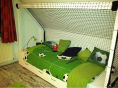 Decent Slaapkamer Ideeen Afbeeldingen that you must know, You're in good company if you're looking for Slaapkamer Ideeen Afbeeldingen Soccer Bedroom, Football Bedroom, Football Bedding, Small Hall, Big Living Rooms, Dorm Decorations, Kids And Parenting, Playroom, Kids Room