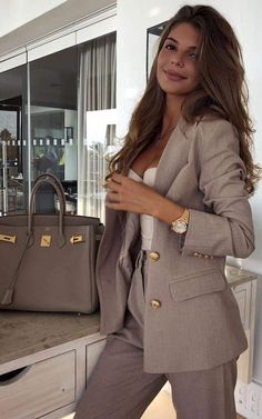 28 Latest Winter Business Outfits Ideas For Woman In Your Office 28 Latest Winter Business Outfits Ideas For Woman In Your Office,outfits Related Lovely Jumpsuit For Women For Work - - Classic Work Outfits, Casual Work Outfits, Business Casual Outfits, Mode Outfits, Business Fashion, Trendy Outfits, Outfit Work, Business Style, Business Professional Outfits