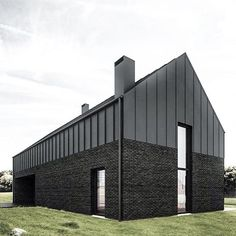 081 - BLACK HOUSE The project of residential house in Lublin, designed for a family of four. The main idea was to create a simple solid, standing in opposition to the surrounding architectural cacophony. Houses Architecture, Black Architecture, Residential Architecture, Architecture Design, Modern Barn House, Modern House Design, Contemporary Barn, Metal Buildings, Metal Facade