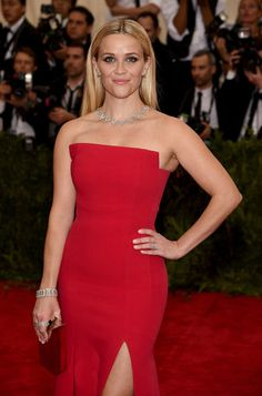 The 23 most unforgettable beauty looks from the Met Gala 2015 red carpet–Reese Witherspoon.