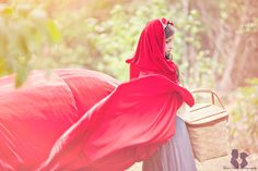 Red riding hood by Three Nails Photography Three Nails Photography, Future Photos, Red Riding Hood, Little Red, Fairy Tales, Photoshoot, Capes, Lust, Autumn