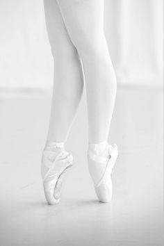 white ballet pointe