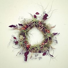What an unexpected (and romantic) take on a wreath! #etsyfinds