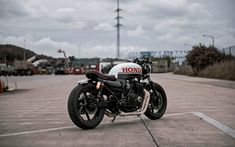 Cb Cafe Racer, Suzuki Cafe Racer, Cafe Racer Build, Cafe Racers, Cb750 Honda, Honda Scrambler, Harley Davidson Scrambler, Harley Davidson Street, Custom Trikes
