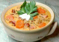 Sonkás-tejfölös lencseleves recept foto Chowder Recipes, Soup Recipes, Cooking Recipes, Hungarian Cuisine, Hungarian Recipes, Eastern European Recipes, Healthy Snacks, Healthy Recipes, Vegan Comfort Food