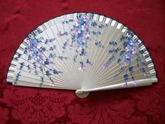 Antique Fans, Vintage Fans, Hand Held Fan, Hand Fans, Vive Le Vent, Keep My Cool, Chinese Fans, Fan Decoration, Modern Fan