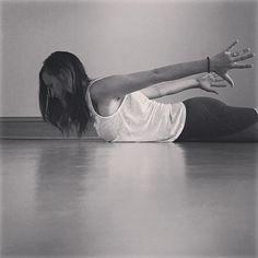 Yin Yoga at the Wall – Nancy Nelson Iyengar Yoga, Ashtanga Yoga, Vinyasa Yoga, Yin Yoga Sequence, Yoga Sequences, Yoga Poses, Pilates Reformer Exercises, Pilates Yoga, Hip Opening Yoga