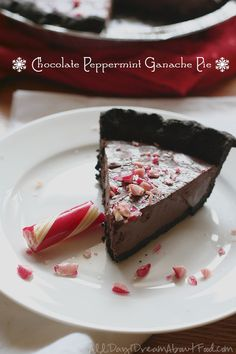 Low Carb Chocolate Peppermint Ganache Pie Recipe | All Day I Dream About Food