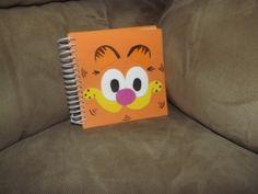 Hoyby Crafts: Garfield party-guest book http://hoybycrafts.blogspot.com