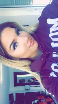 youtuber and shirin david Bild