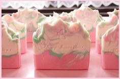 A blog about soap, soap and more delicious soaps...