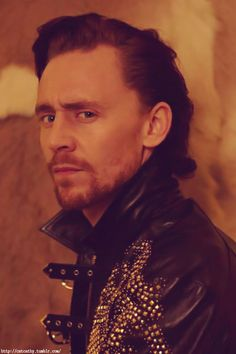 I hope Hiddles never looks at me like that, I'd cry forever. He looks like he's just seen the most ugliest thing in the world