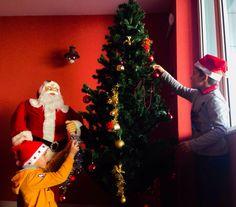 Per il primo #Natale Ai Pozzi Village i bambini del mini club preparano gli addobbi! For the first #Christmas at Ai Pozzi Village children in the mini club are preparing the Christmas  decorations!